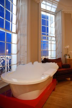 Take a long hot soak while admiring sea views at the Drakes Hotel Brighton Brighton Rock, Brighton And Hove, Drake Hotel, Uk Destinations, Infrared Heater, Days Out, Beautiful World, The Good Place, Places To Go