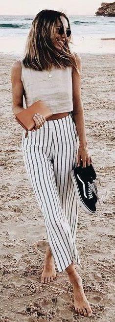 Wide pants: / Stripped Wide Leg Pants Crop T. Wide Pants Outfit, Summer Pants Outfits, Crop Top Outfits, Casual Summer Outfits, Striped Outfits, Outfit Summer, Winter Outfits, Pretty Outfits, Cute Outfits