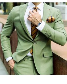 Peak Lapel Emerald Green Groomsmen Suit Prom Tuxedo 2 Pieces(Jacket +P – classbydress Prom For Guys, Prom Suits For Men, All Black Suit Prom, Black Prom, Black Tie, Mens Fashion Suits, Mens Suits, Outfit Hombre Formal, Clothing Styles