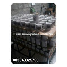 Souvenir Mug Sablon ✔ Mug/Gelas/Piring ✔ Sablon/Digital Print www.sunarpromosindo.com #souvenirsablon #sablonmug #sablongelas #souvenirnikah #sablonmurah #merchandisemurah
