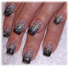 Glitter argento su french nera