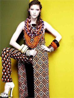 Oro Incenso e Mirra, Ethnoarte. Outfit: Prada.