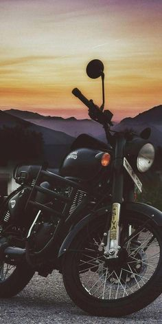 Royal Enfield Wallpapers for mobile HD – Motor Cycles Wallpaper Moto, Wallpaper Free, Mobile Wallpaper, Math Wallpaper, Camera Wallpaper, Motorcycle Wallpaper, Boys Wallpaper, Enfield Bike, Enfield Motorcycle