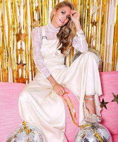 New Post! A peek at the new 70s inspired bridal collection frm @belleandbunty think NY Studio 54 disco balls hoop earring & shiny gold hues  #belleandbunty #sneakpeek #preview #seventies #studio54 #newyork #disco #diva #glitter #hoopearrings #discoball #goldhues #gold #allthatglitters #silk #dungarees #wedding #bridal #weddingdress #weddingideas #weddinginspiration #whitedress #ivory #weddingtasker #weddingplanner #weddingblog #weddingblogger #wblog #devinebride