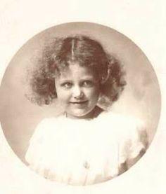 Archiduchesse Rosa d'Autriche-Toscane (1906-1983), fille de l'archiduc Peter Ferdinand d'Autriche et de Maria Cristina de Bourbon Deux-Siciles. Mariée le 1er août 1928 à Philipp Albrecht duc de Wurtemberg