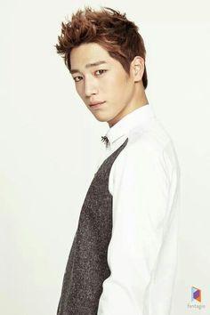 Seo Kang Joon. Leader of 5urprise (서프라이즈)