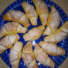 Pillekönnyű túrós kifli Pretzel Bites, French Toast, Bread, Cookies, Baking, Breakfast, Food, Crack Crackers, Morning Coffee