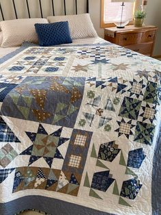 Bloom-Topia: quilted, bound and beautiful! – Carried Away Quilting Sampler Quilts, Fat Quarter Shop, Quilt Top, Fat Quarters, Good Company, Machine Quilting, Bloom, Blanket, Beautiful