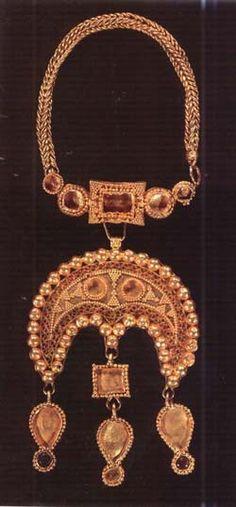 Golden Horde, Ancient Jewelry, Tribal Jewelry, Vikings, Bling, Symbols, Jewels, Ukraine, Mythology