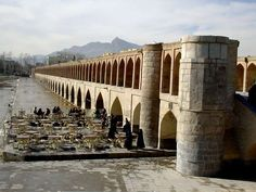 PHOTO of Iran, Isfahan (Esfahan), Siose Pol (siosepol) bridge (bridge of 33 arches), one of the several medieval bridges which are characterising Isfahan; Iran Iranian Iranien Iranier Persia travel Iran photography Iran photos photo Iran pictures picture Iran images image Iran fotos foto Iran fotos foto's fotografie Reisebilder Iran Fotografia reisfotografie