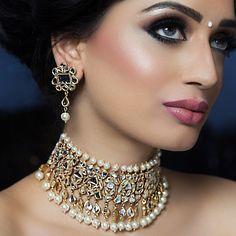Beautiful bridal jewelry. #bride #brides #bridal #necklace #necklaces #earrings #bindi #indianbride #indianwedding #wedding #marriage #india #jewelry #eyemakeup #eyelid #eyeshadow #makeup #photography
