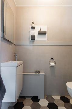 Besteed jij ook weinig tijd aan de sfeer op het toilet? Zonde, want met een paar kleine aanpassingen kun je er een stijlvolle ruimte van maken. Ga aan de slag met deze 4 tips en het kleinste kamertje in huis past straks perfect bij de rest van je interieur.