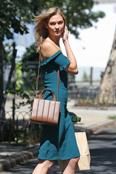 Karlie Kloss Puts Her Polished Spin on Summer in the City Beauty