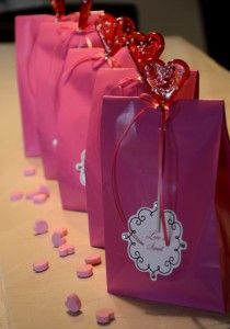 """This year my children will give Valentine's treats to their favourite friends. We printed """"Love is sweet"""" on a decorative label, embellished the label with four crystals and placed it on a bright p… Valentine Treats, Valentines Day, Treat Bags, Love Is Sweet, Label, Gift Wrapping, Crystals, Prints, Blog"""