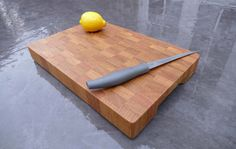 Classic Style - Cherry  A classic style board with two built in handles; made from cherry timber, known for its distinctive grain.  Wood: Cherry