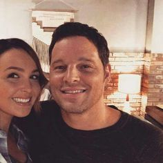 Camilla Luddington and Justin Chambers Greys Anatomy Alex, Greys Anatomy Season, Greys Anatomy Cast, Lexie Grey, Grey's Anatomy, Lexie And Mark, Alex And Jo, Justin Chambers, Camilla Luddington