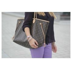 Love this Louis Vuitton bag http://cheapestlouisvuit... | See more about louis vuitton, clutches and handbags.  My mom has this bag❤️❤️