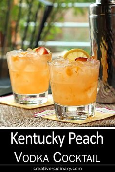 This Kentucky Peach Bourbon and Vodka Cocktail is wonderful and lighter than a s. This Kentucky Peach Bourbon and Vodka Cocktail is wonderful and lighter than a straight bourbon cocktail so it& perfect for summer. Peach Vodka Drinks, Cocktails Vodka, Whiskey Drinks, Summer Bourbon Cocktails, Peach Whiskey, Scotch Whiskey, Cocktail Recipes For Summer, Vodka Summer Drinks, Simple Vodka Drinks