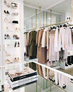 Wardrobe Room, Closet Bedroom, Walk In Closet Inspiration, Closet Vanity, Dressing Room Closet, Wardrobe Organisation, Luxury Closet, Dream Closets, Classy Closets