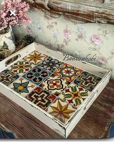 Decoupage Box, Decoupage Vintage, Diy Home Crafts, Fun Crafts, Epoxy Resin Art, Bohemian Kitchen, Painted Boxes, Tray Decor, Creative Home