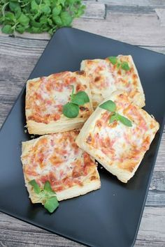 Savory Snacks, Snack Recipes, Cooking Recipes, A Food, Good Food, Food And Drink, Savory Pastry, Swedish Recipes, Food Inspiration
