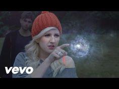 Ellie Goulding - Starry Eyed - http://maxblog.com/9491/ellie-goulding-starry-eyed/