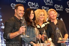 Complete list of winners from the Country Music Awards.
