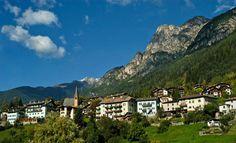perierga.gr - Πανέμορφα χωριά στα βουνά του κόσμου! Mountains, Mansions, House Styles, Nature, Travel, Naturaleza, Viajes, Manor Houses, Villas