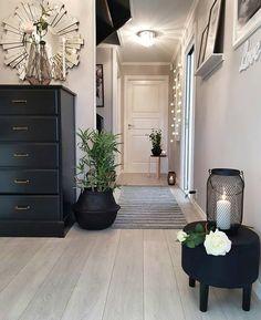 Home Inspiration // Fashionable Dots The Perfect Scandinavian Style Home Inspire Me Home Decor, Decorating Your Home, Interior Decorating, Scandinavian Style Home, Pinterest Home, Elderly Home, Home Decor Shops, Apartment Design, Home Decor Inspiration