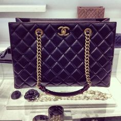 I MUST own this particular style CHANEL bag in the VERY NEAR future!