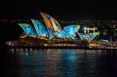 The Sydney Opera House during the 2017 Vivid Festival. Due to being busy with work and daddy duties all festival it was the very last day of the festival before I was able to venture out for some pics. Not only that but it was 10 pm on the last day! The traffic was so bad driving into the city that I ended up with 15 mins to take photos before the lights turned off for the year. I found a park near the Harbour Bridge steps and so decided to take photos from the bridge. Its an interesting…