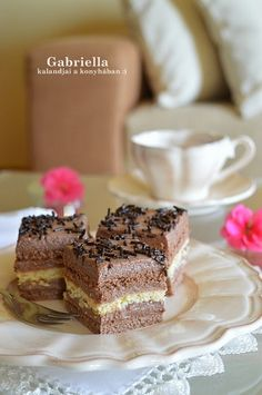 Vasi kocka Hungarian Desserts, Tiramisu, Sweets, Chocolate, Baking, Ethnic Recipes, Food, Cakes, Mascarpone