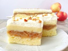 Prajitura cu mere si crema de vanilie Yami Yami, Beignets, Sweet Desserts, Vanilla Cake, Nutella, Bakery, Cheesecake, Deserts, Food And Drink