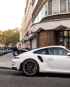 Porsche 991 GT3 RS painted in White Photo taken by: @alexpenfold on Instagram