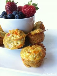 Quinoa Omelette Breakfast Cups (This recipe is clean, gluten free, high fiber, lean, grain free, easy, different and extremely delicious) http://www.damyhealth.com/2012/06/quinoa-omelette-breakfast-cups/