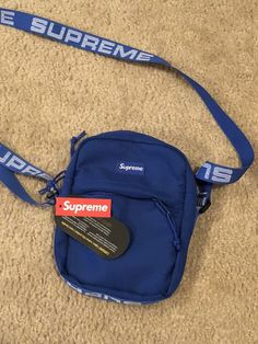 Supreme Backpack, Supreme Bag, Aesthetic Bags, Side Bags, North Face Backpack, Mens Clothing Styles, My Bags, Backpack Bags, Mini Bag