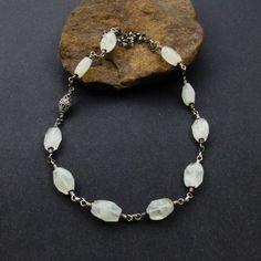 Naszyjnik z kamienia księżycowego w srebrze  www.KuferArt.pl