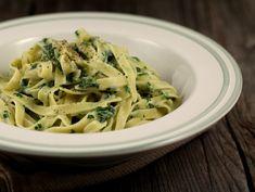 Paste cu iaurt si urzici Spaghetti, Pizza, Cooking Recipes, Eat, Ethnic Recipes, Food, Salads, Chef Recipes, Essen
