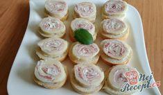 Sýrová roláda s kremžskou náplní | NejRecept.cz Mini Cupcakes, Muffin, Food And Drink, Pizza, Lunch, Snacks, Dinner, Breakfast, Desserts