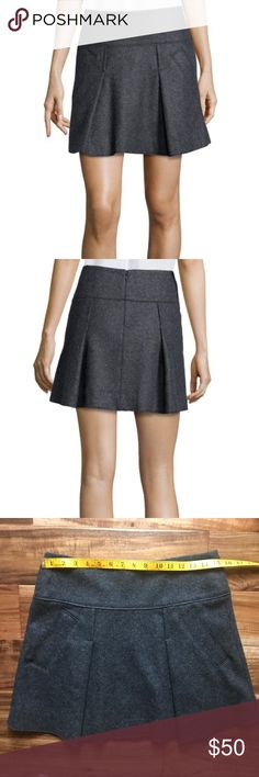 Vince Grey Pleated Wool-Blend Mini Skirt Size 8 Lost weight, so now I have to clean out my closet... good problem??  Vince Grey Pleated Wool-Blend Mini Skirt size 8 & I don't think I ever wore this. Vince Skirts Mini