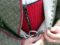Drea's lacing rings, plus lots of fab costume details.