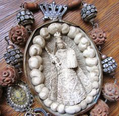 Hey, I found this really awesome Etsy listing at http://www.etsy.com/listing/172764289/antique-meerschaum-necklace-religious