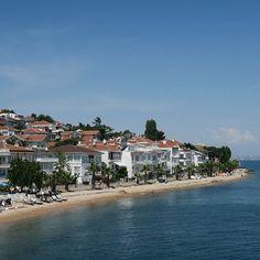 Strand und Meer in #Istanbul  Die Prinzeninseln sind der perfekte Ort dafür.1.500 andere Menschen auf meiner #Fähre zur Insel #Büyükada sind der selben Meinung. Es gibt nicht einmal für alle einen Sitzplatz.(#Foto Strand am Hafen von Kinali  die am nächsten zu Istanbul gelegene #Prinzeninsel) #Türkei #Tuerkei #Türkei2016 #TürkeiUrlaub #sonntagsausflug #Strand #strandfoto #Meer #Sommer2016 #Sommer #Reise #Reisefieber #Reisen #Urlaub #urlaub2016  #instareise #InstaUrlaub #Reiseblog…