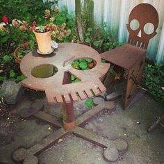 skull table skull_table garden_furniture skull_and_bones chair skull_chair outdoor_furniture table_and_chair design deadhole Skull Furniture, Cool Furniture, Outdoor Furniture, Garden Furniture, Porch Furniture, Skull Decor, Skull Art, Metal Skull, Sweet Home