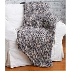 Bernat+Blanket+Arm+Knit+3-Hour+Blanket. Info gives amount of cast off stitches.