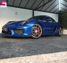 Porsche Cayman GT4 - 05 Layers of Ceramic Pro 9H, 02 Layers of Ceramic Pro Light, Ceramic Pro Rain, Ceramic Pro Wheels and Calipers, Ceramic Pro Textile and Ceramic Pro Plastic #ceramicpro #automotive #lifestyle #nanoceramic #paintprotection #nanocoating #paintcoating #ceramiccoating #detailing