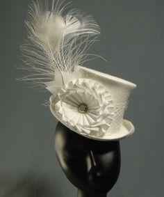 Ivory Bridal 'Belle Epoch' Mini Top Hat