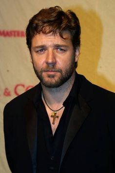 Russell Crowe - Master and Commander Premiere in Italy Actors Male, Actors & Actresses, Male Celebrities, Celebs, Master And Commander, Toby Stephens, Australian Men, Russell Crowe, Celebrity Faces