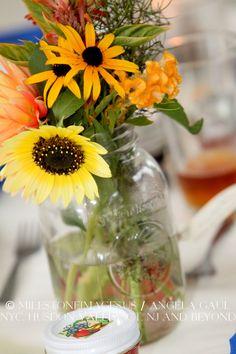 Centerpieces: wildflowers in mason jars