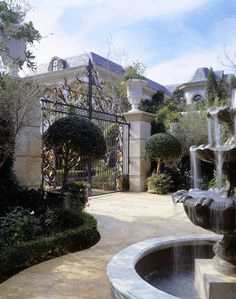 Front Gate Grounds and Gardens: 8 rose gardens, 3 large fountains, and 4 fountains with sculptures, Park-like gardens for strolling, Swan pond at motor court entry, Private gated driveway, 280-degree city view.